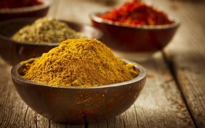 Frode Alimentare: olio di oliva, curcuma in polvere